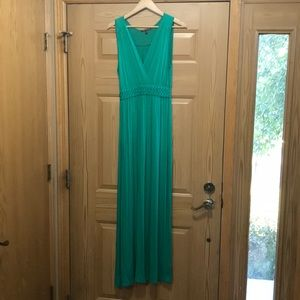 cable & gauge green maxi dress